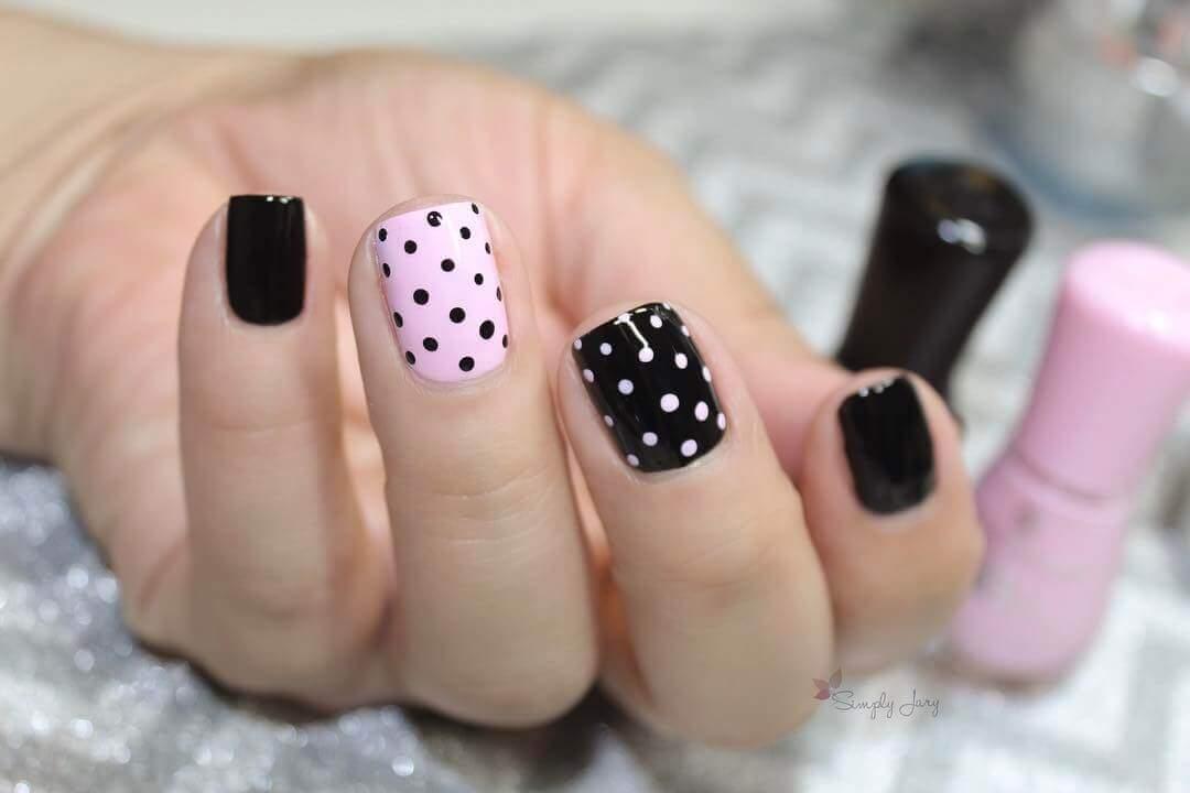 décoration des ongles avec des points