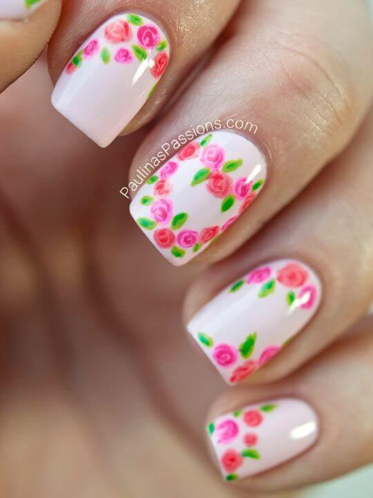 Fleur et ongles en forme de coeur