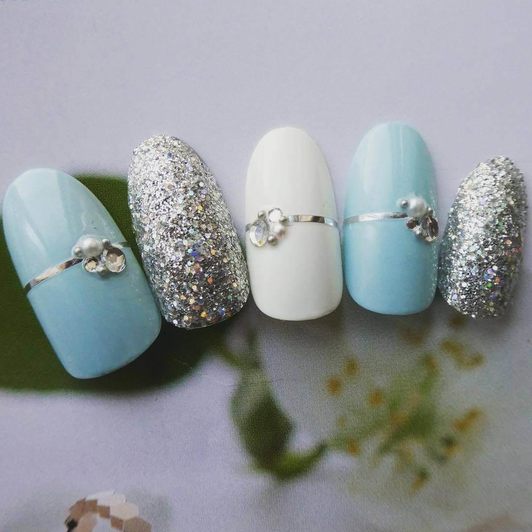 Plus de 80 dessins de nail art en bleu clair 1
