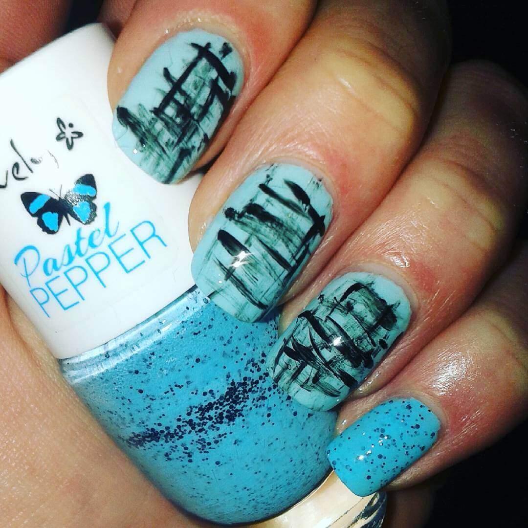 Plus de 80 motifs d'ongles décorés en bleu clair 5