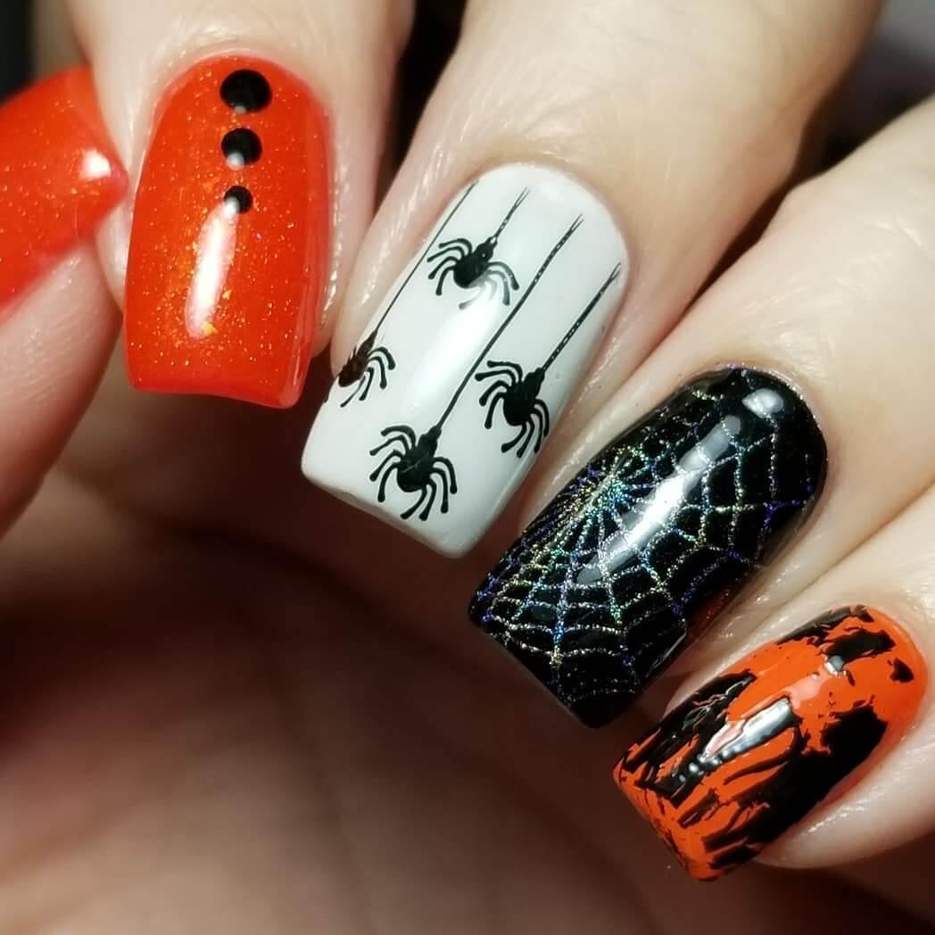 ongles avec motif d'araignée d'halloween