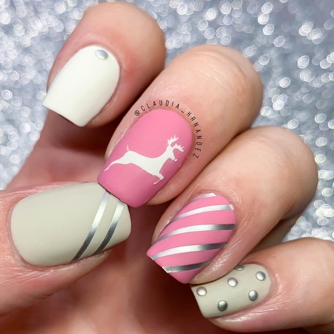des ongles élégants pour Noël en rose