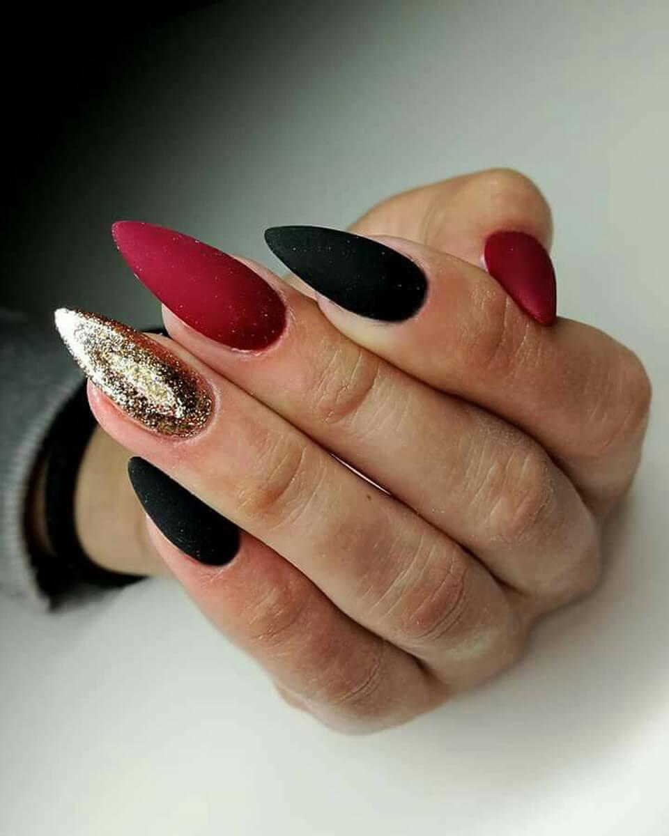 des ongles simples et élégants aux couleurs de Noël