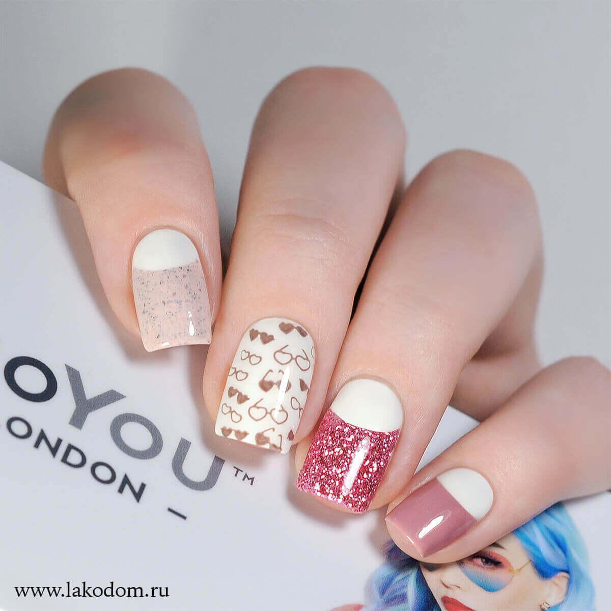 Décoration Nail Art rose avec impression
