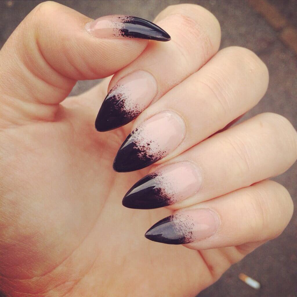 ongles design sorcière halloween