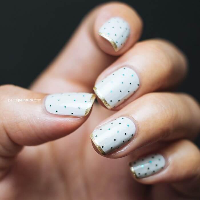 images de décorations d'ongles avec des points