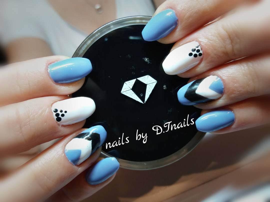 Plus de 80 dessins de nail art en bleu clair 7