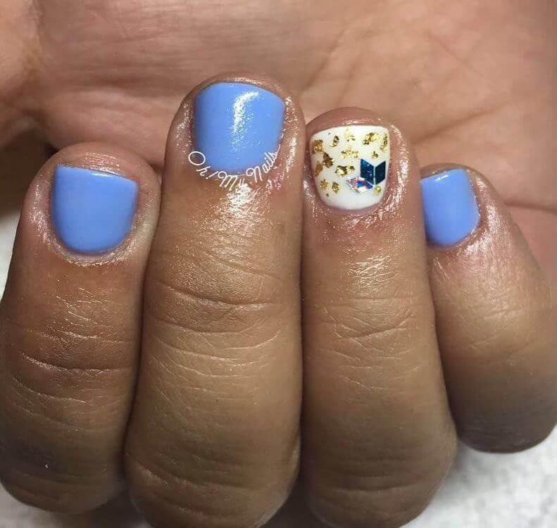 Plus de 80 motifs de ongles décorés en bleu clair 8