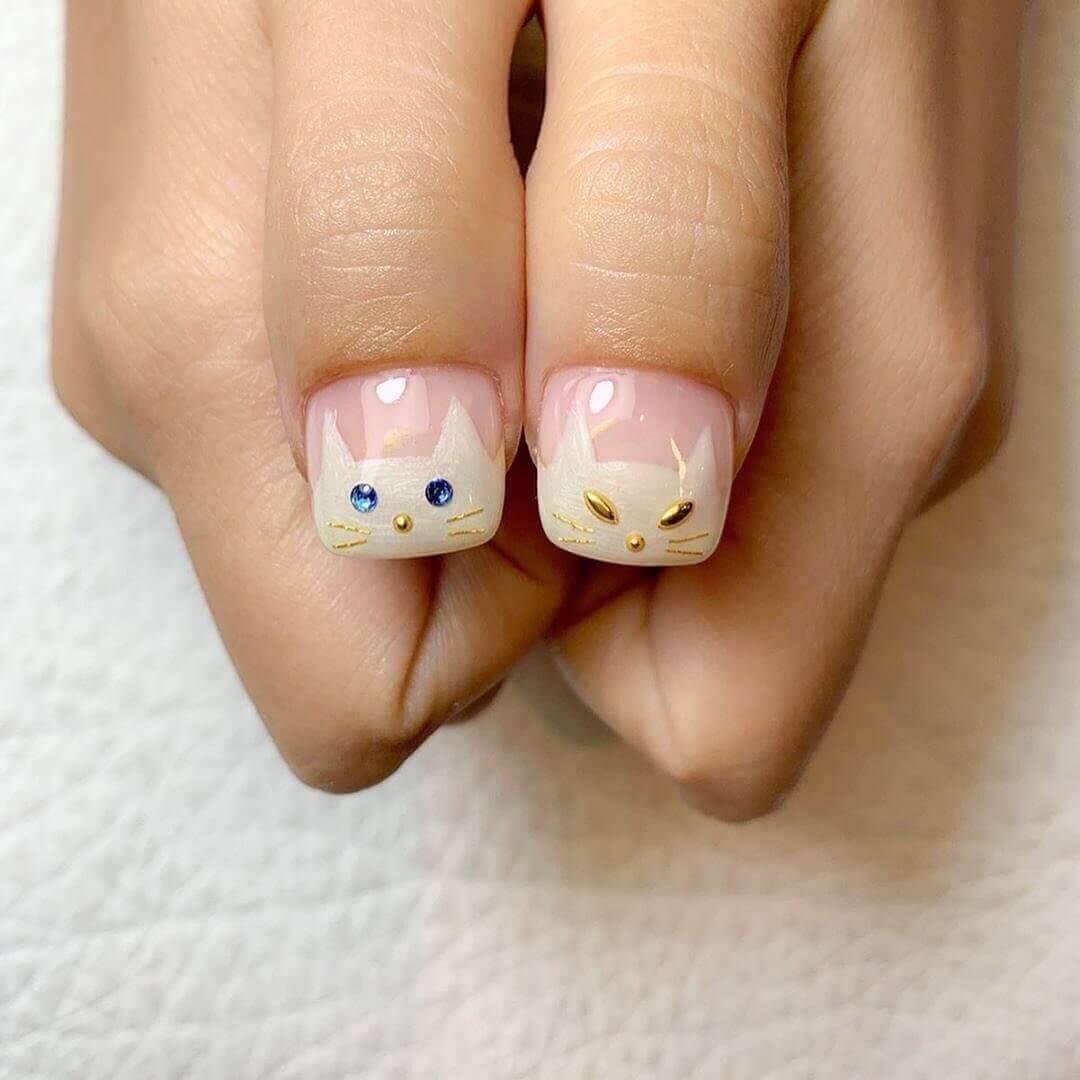 ongles avec chaton d'halloween