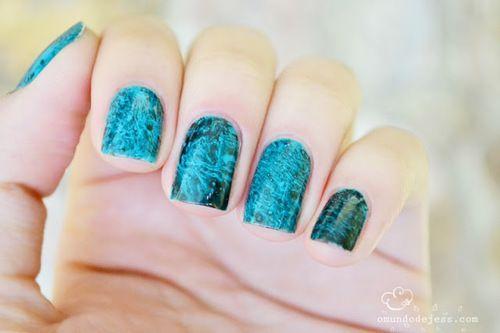 Ongles bleu clair