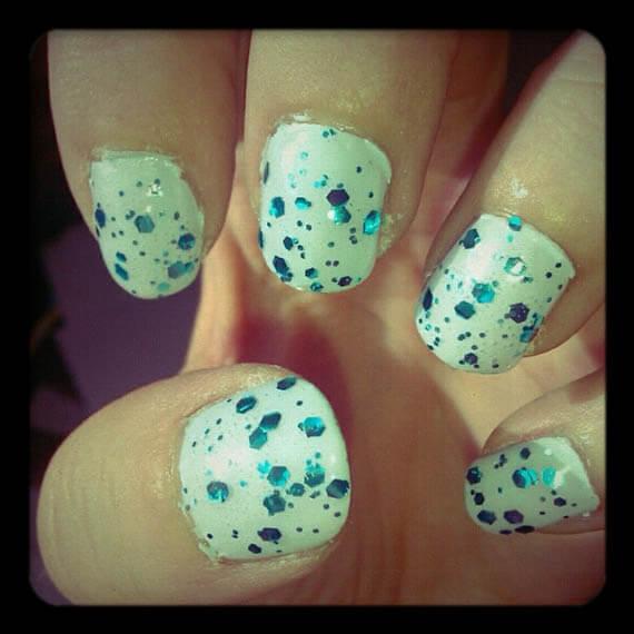 Plus de 80 motifs de ongles décorés en bleu clair 29