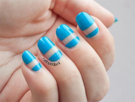 Plus de 80 motifs de ongles décorés en bleu clair 30
