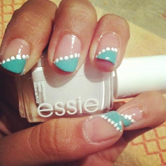 Plus de 80 motifs de ongles décorés en bleu clair 31