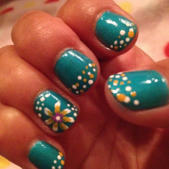 Plus de 80 motifs de ongles décorés en bleu clair 37
