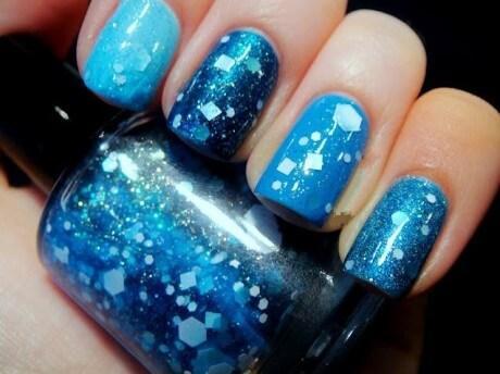 Plus de 80 motifs de ongles décorés en bleu clair 43