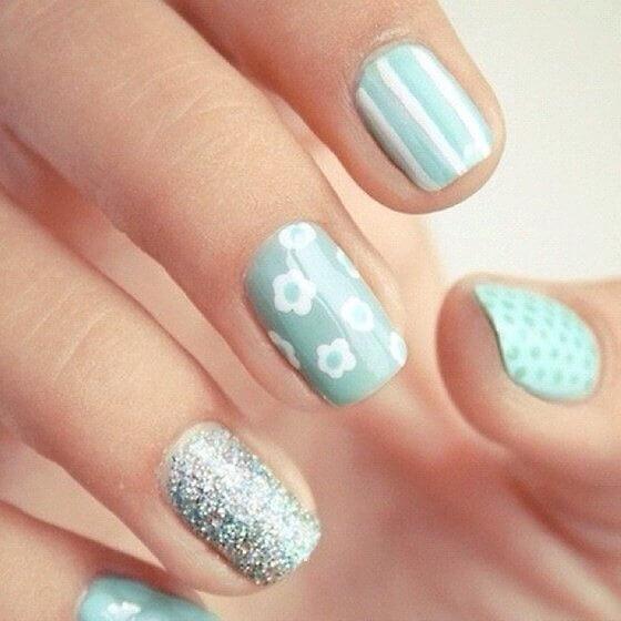 Plus de 80 motifs de ongles décorés en bleu clair 47