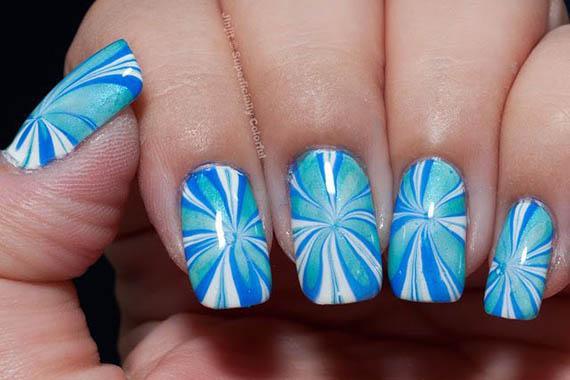 Plus de 80 motifs de ongles décorés en bleu clair 51
