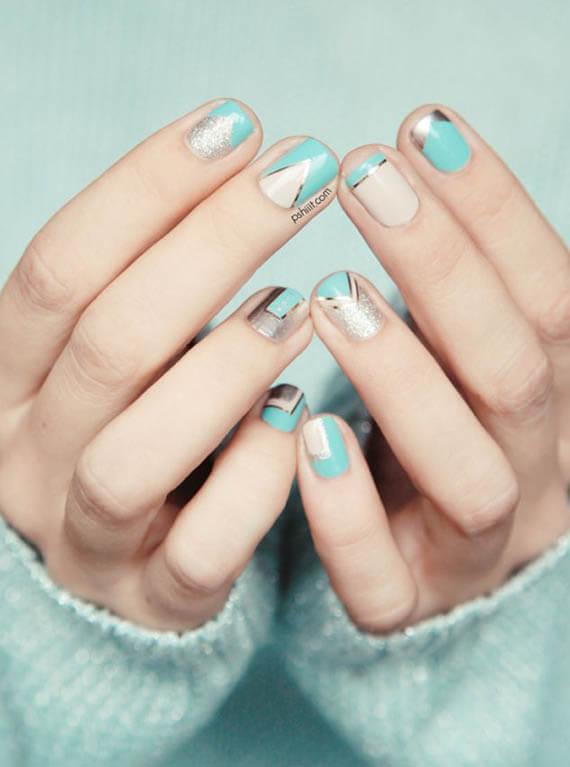 Plus de 80 motifs de ongles décorés en bleu clair 52