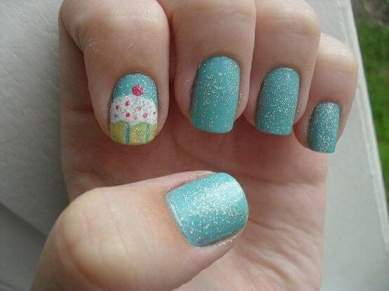 Plus de 80 motifs de ongles décorés en bleu clair 53