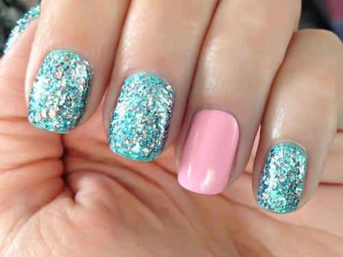 Plus de 80 motifs de ongles décorés en bleu clair 19