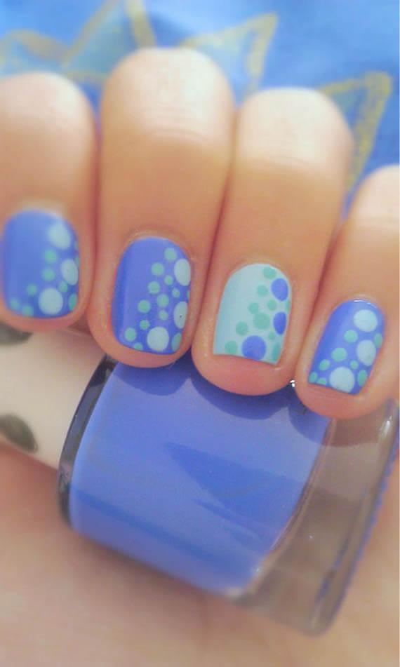 Plus de 80 motifs de ongles décorés en bleu clair 56