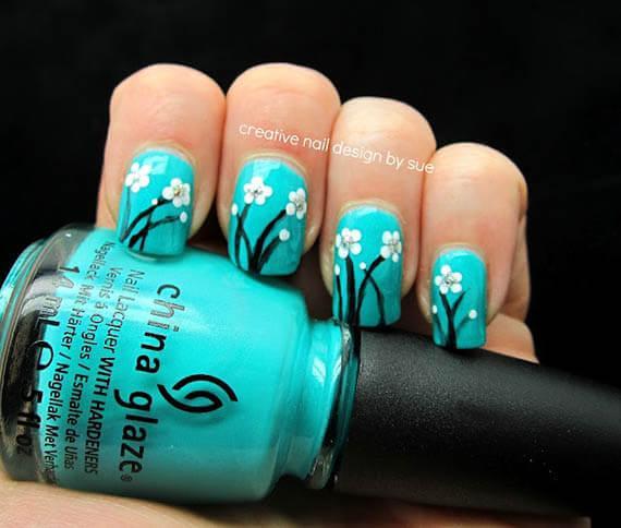 Plus de 80 motifs de ongles décorés en bleu clair 59