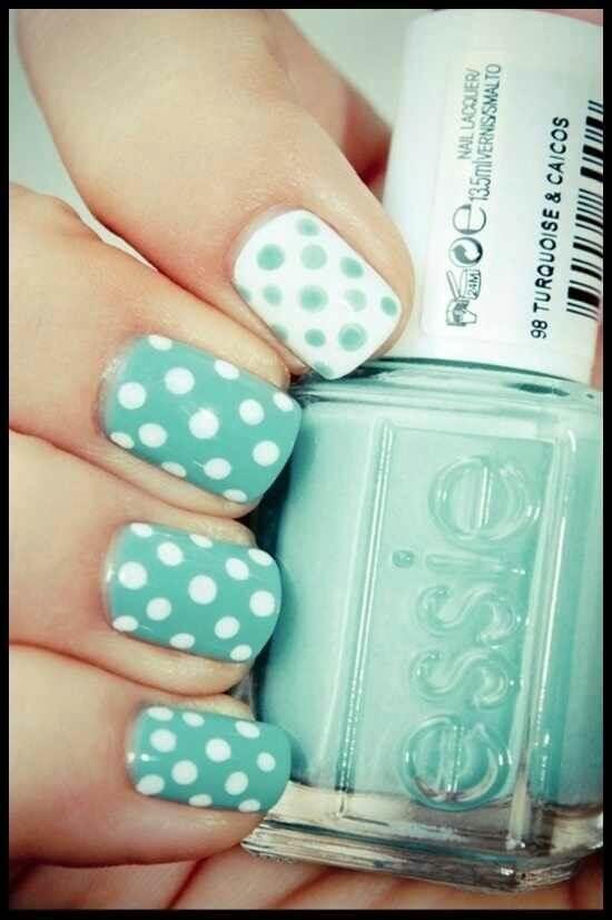 Plus de 80 motifs de ongles décorés en bleu clair 61