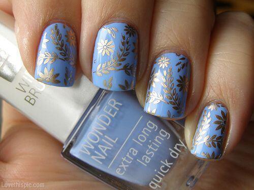 Plus de 80 motifs d'ongles décorés en bleu clair 68