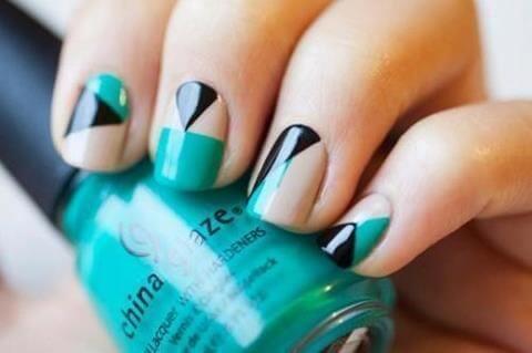 Plus de 80 motifs d'ongles décorés en bleu clair 70