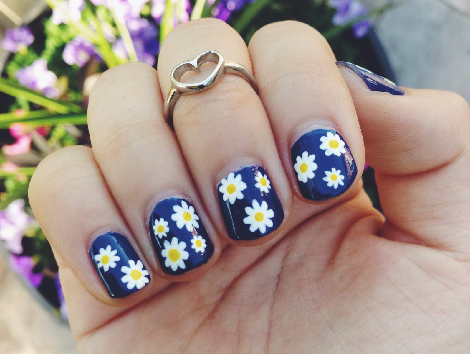 quelques fleurs bleues