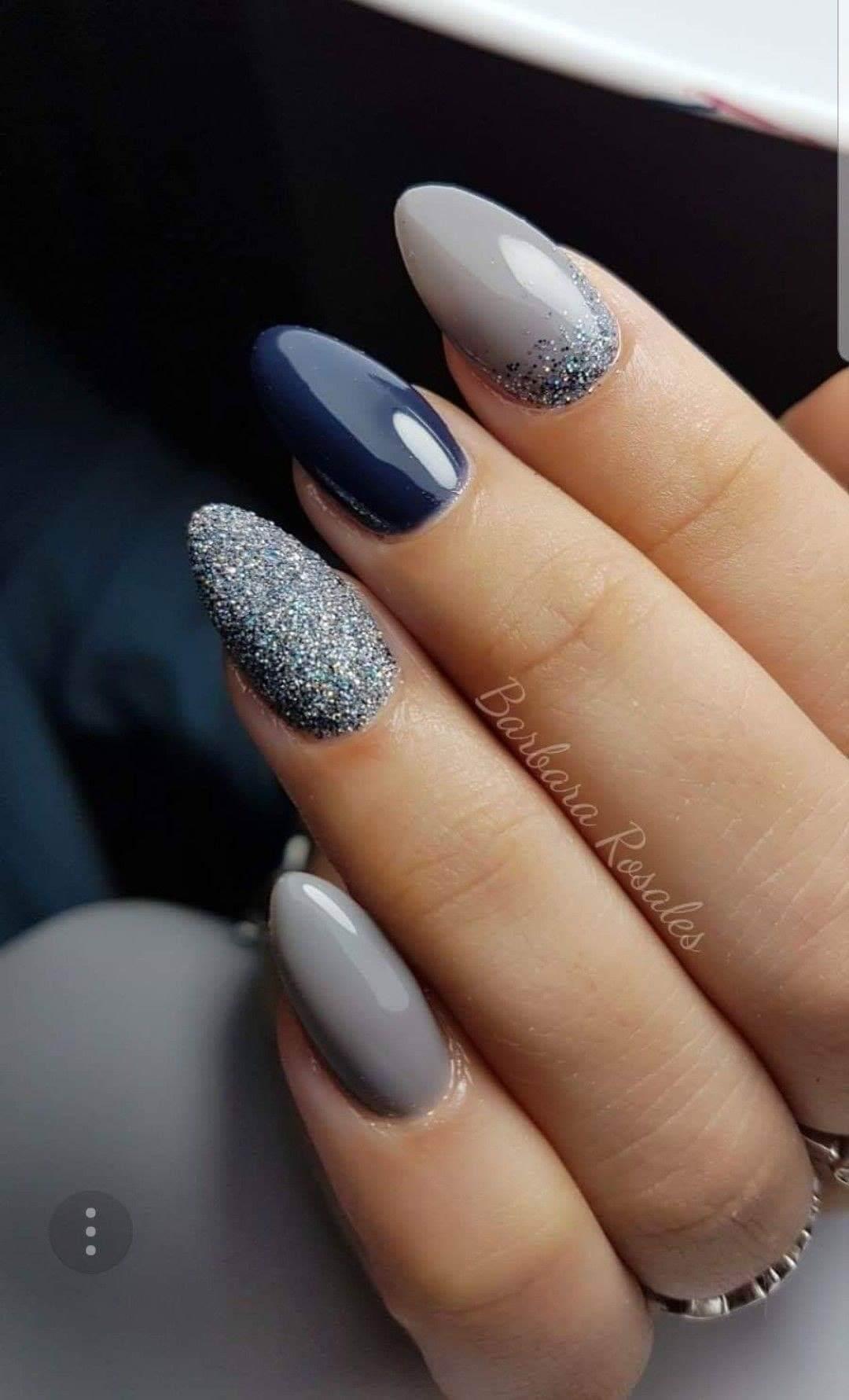ongles bleus de mariage