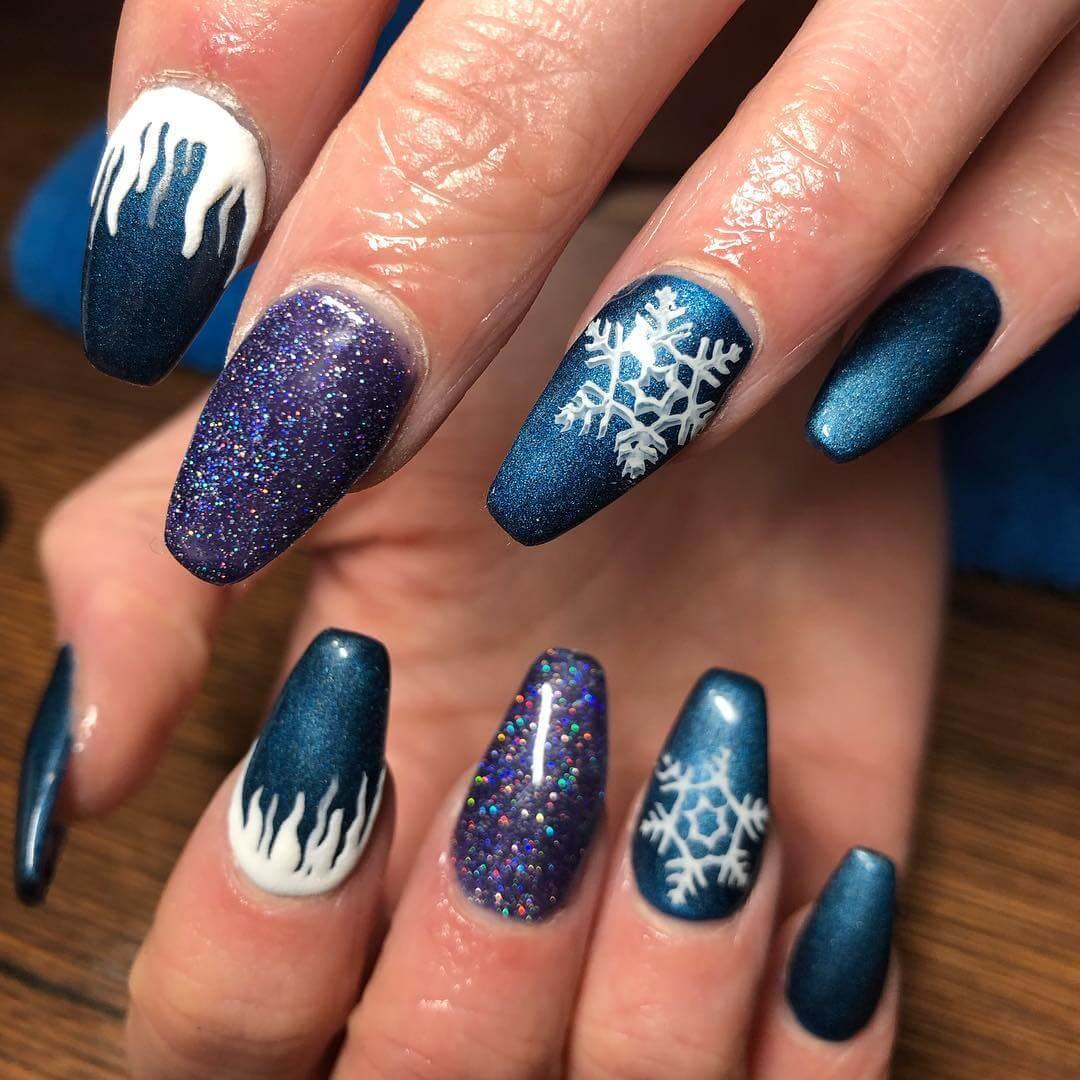 ongles bleus de noël