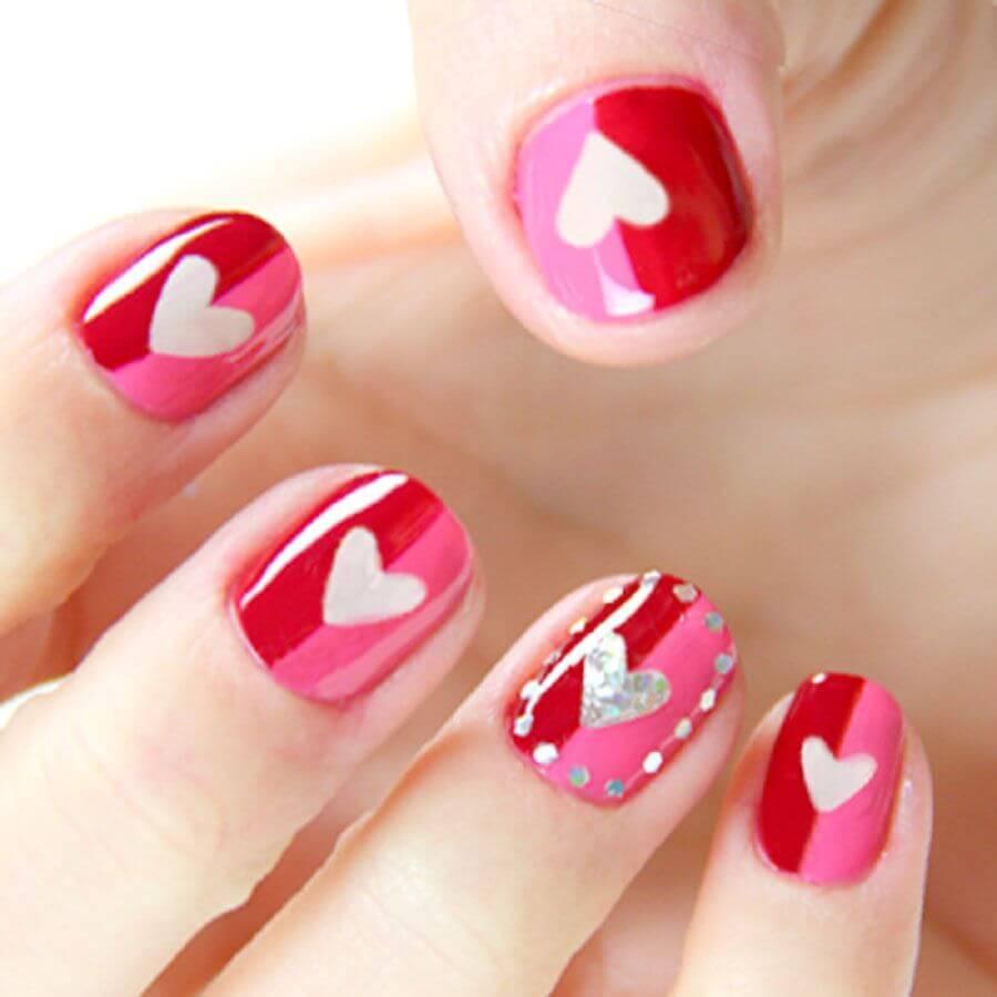 Des ongles d'amour avec des cœurs pour les romantiques! + 170 designs 30