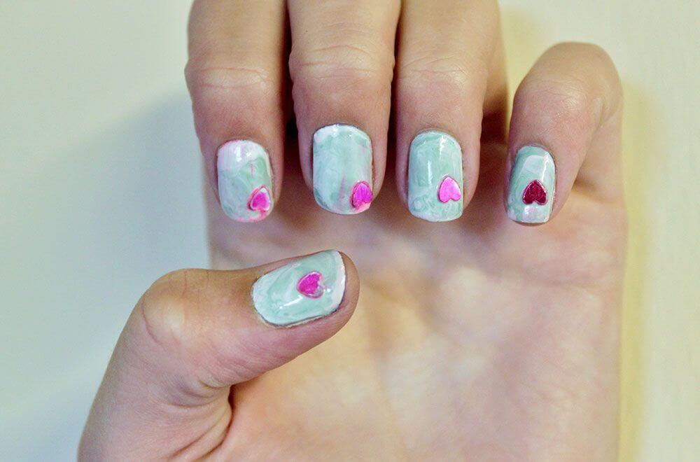 Des ongles d'amour avec des cœurs pour les romantiques! + 170 designs 23