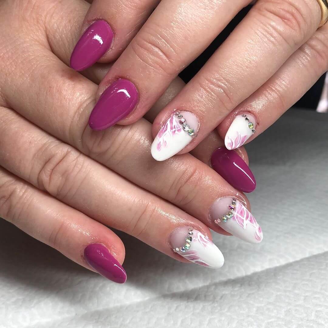 ongles colorés et décorés pour la mariée