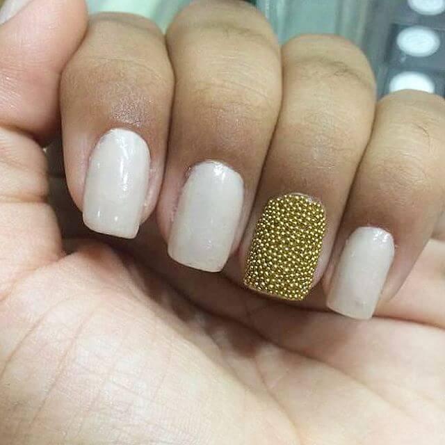ongles de caviar simples