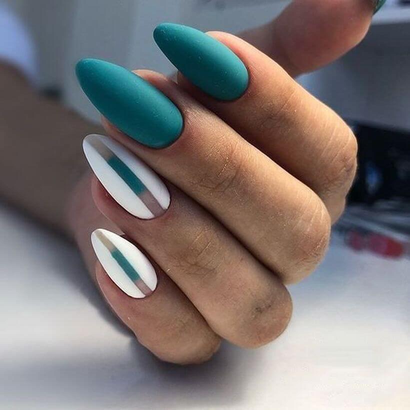 ongles de mariage vert d'eau ou émeraude