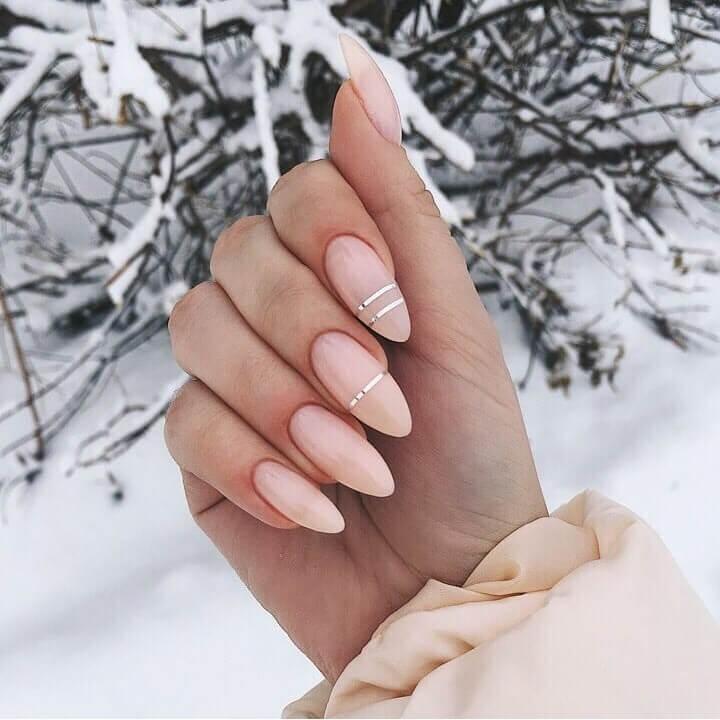ongles de mariée avec ruban adhésif