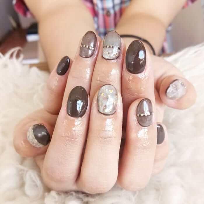 ongles de mariée en brun ou en bronze