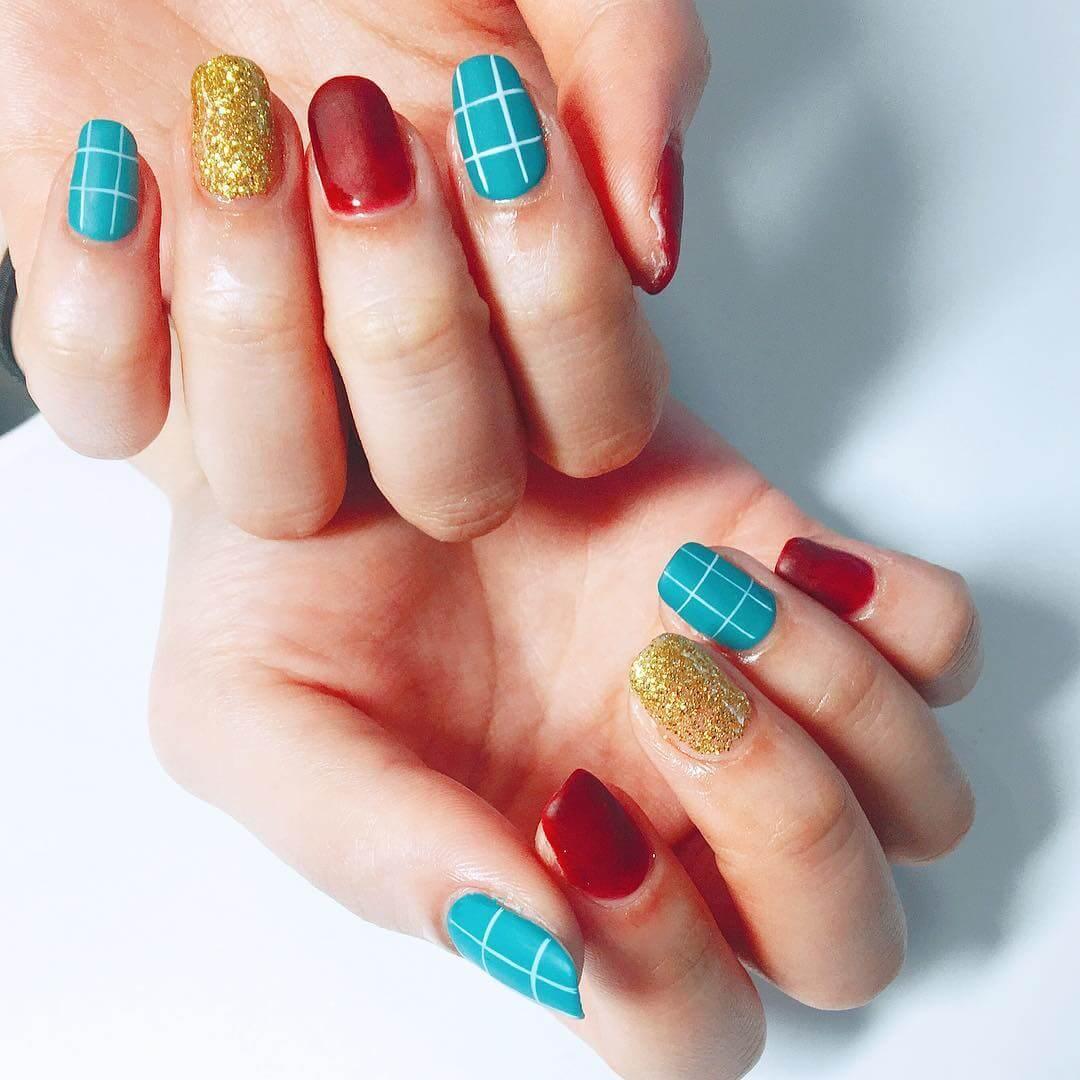 ongles de noël colorés