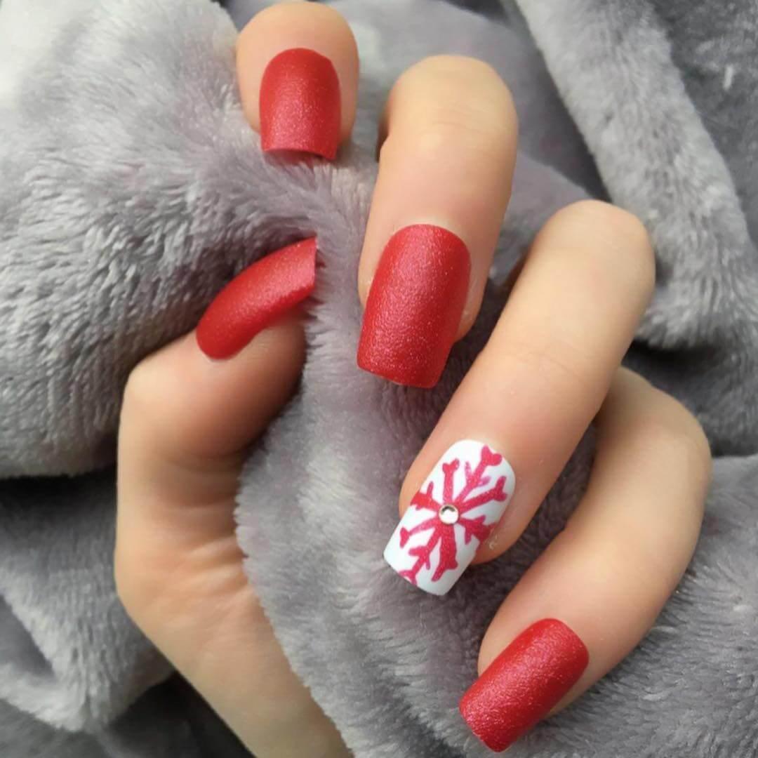 ongles de noël rouges