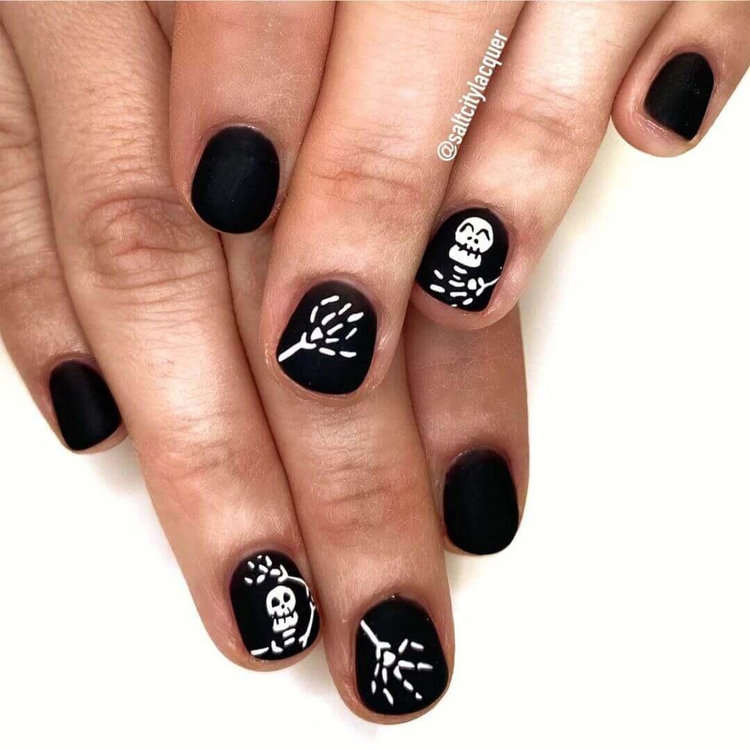 ongles de squelette d'halloween