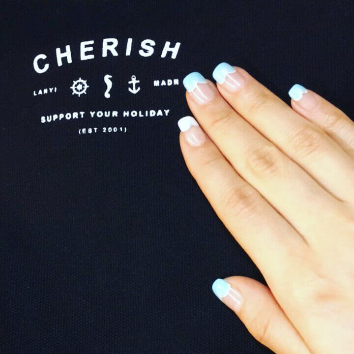 Plus de 80 motifs de ongles décorés en bleu clair 11