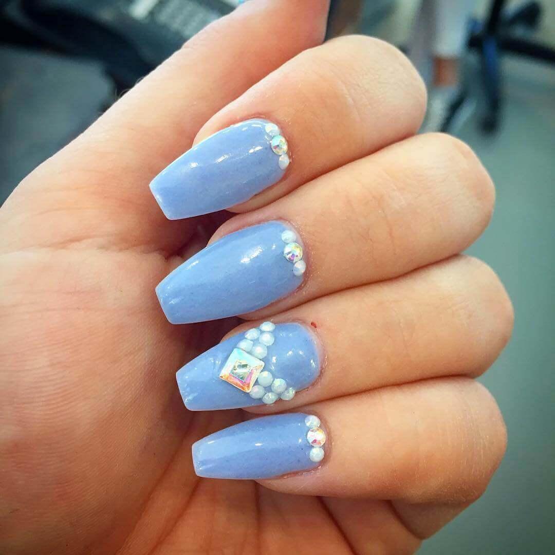 Plus de 80 motifs d'ongles décorés en bleu clair 13