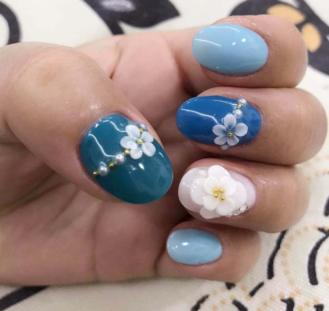 Plus de 80 motifs d'ongles décorés en bleu clair 15