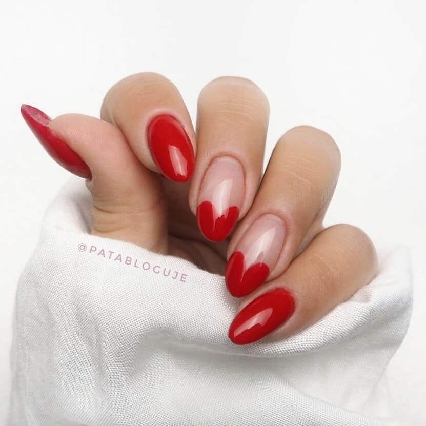 ongles décorés en rouge