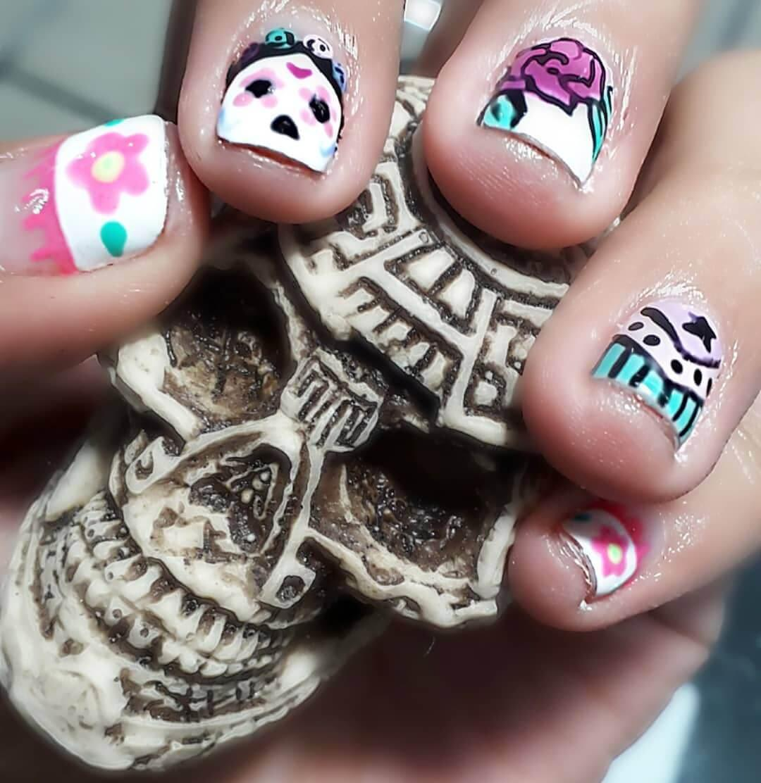 ongles décorés jour des morts