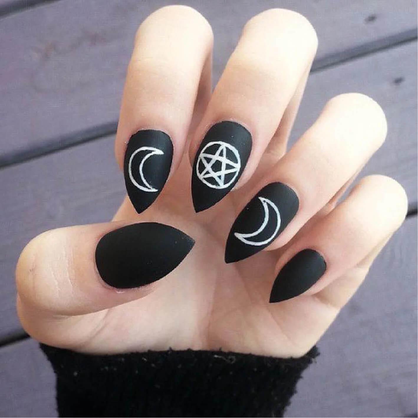 ongles décorés sorcières d'halloween