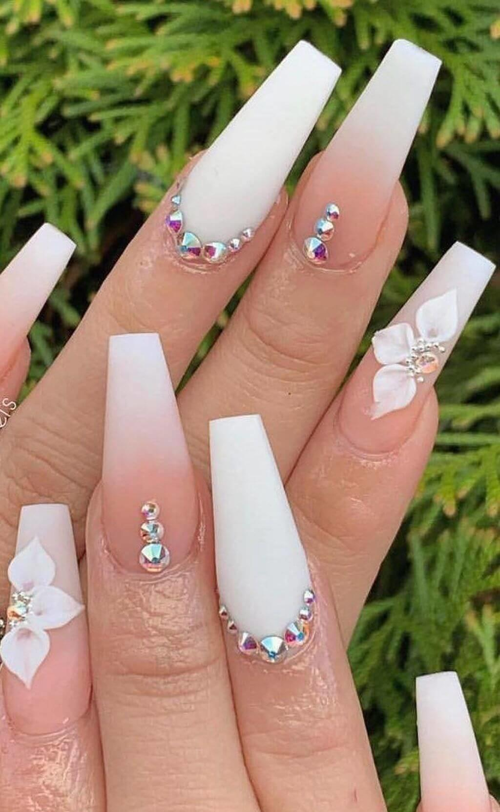 ongles d'ombre avec pierre pour le mariage
