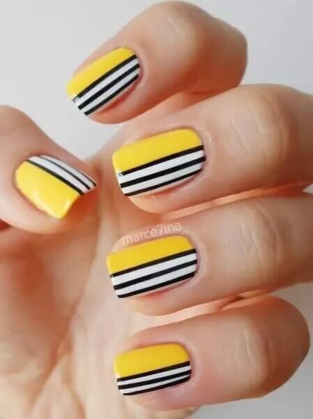 Images de ongles avec des lignes